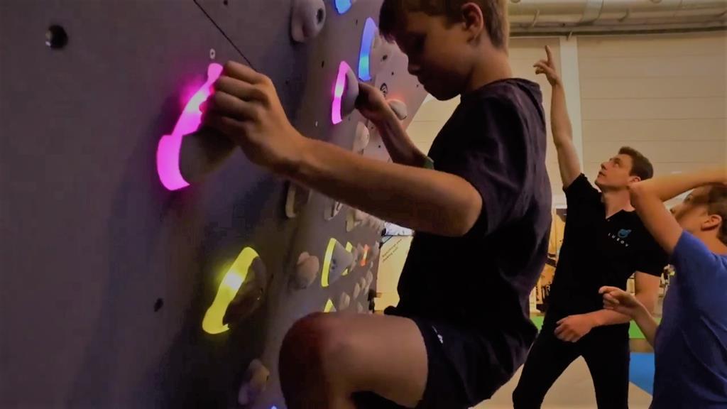 Luxov®invente une nouvelle expérience d'escalade digitale et connectée