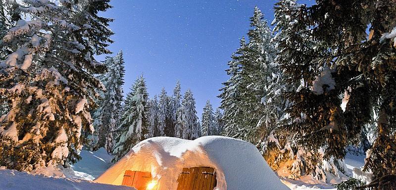 Passer une nuit insolite en igloo au Semnoz près d'Annecy