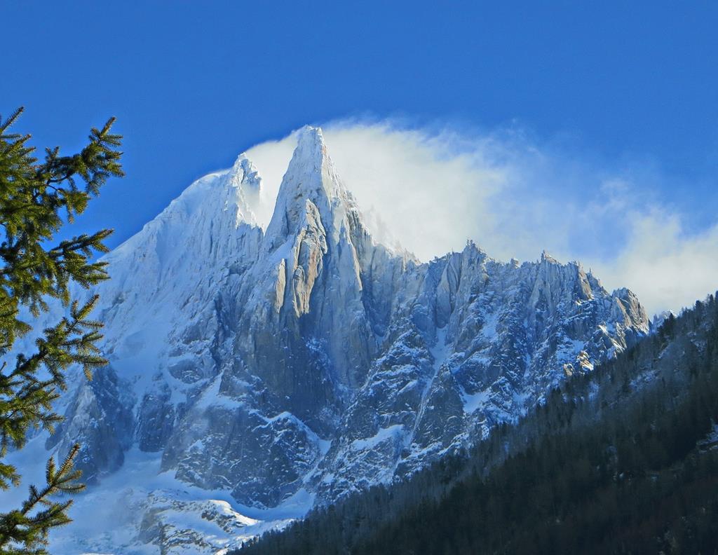 L'Aiguille des Drus est réputée dans le monde de l'alpinisme