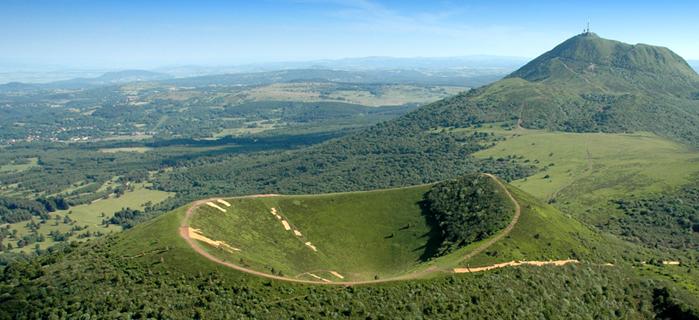 Vue en hauteur du Puy Du Pariou en Auvergne