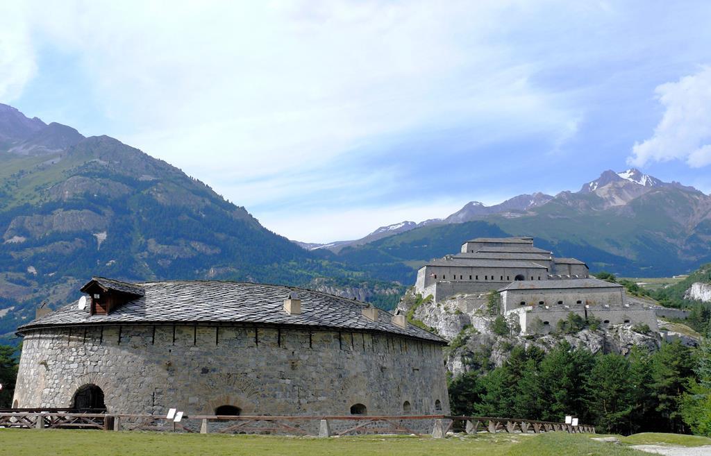 Un monument historique de Savoie : La muraille de l'Esseillon
