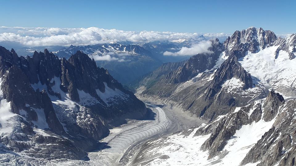 Le plus grand glacier de France attire d enombreux visteurs chaque année