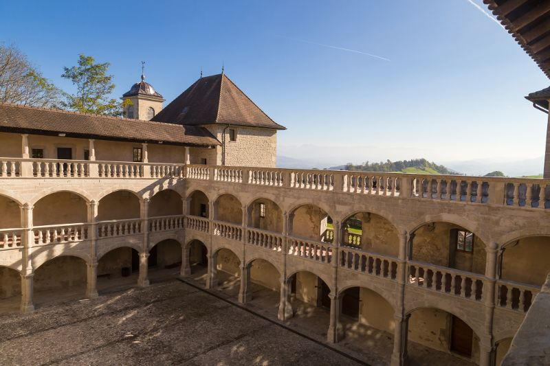 A 30km du lac d'Annecy, vous trouverez le château de Clermont