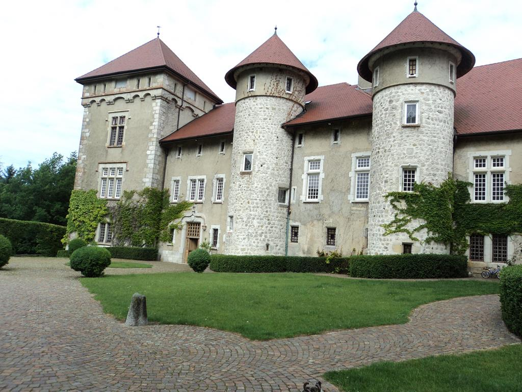 Le château de Thorens, à 10 km du lac d'Annecy