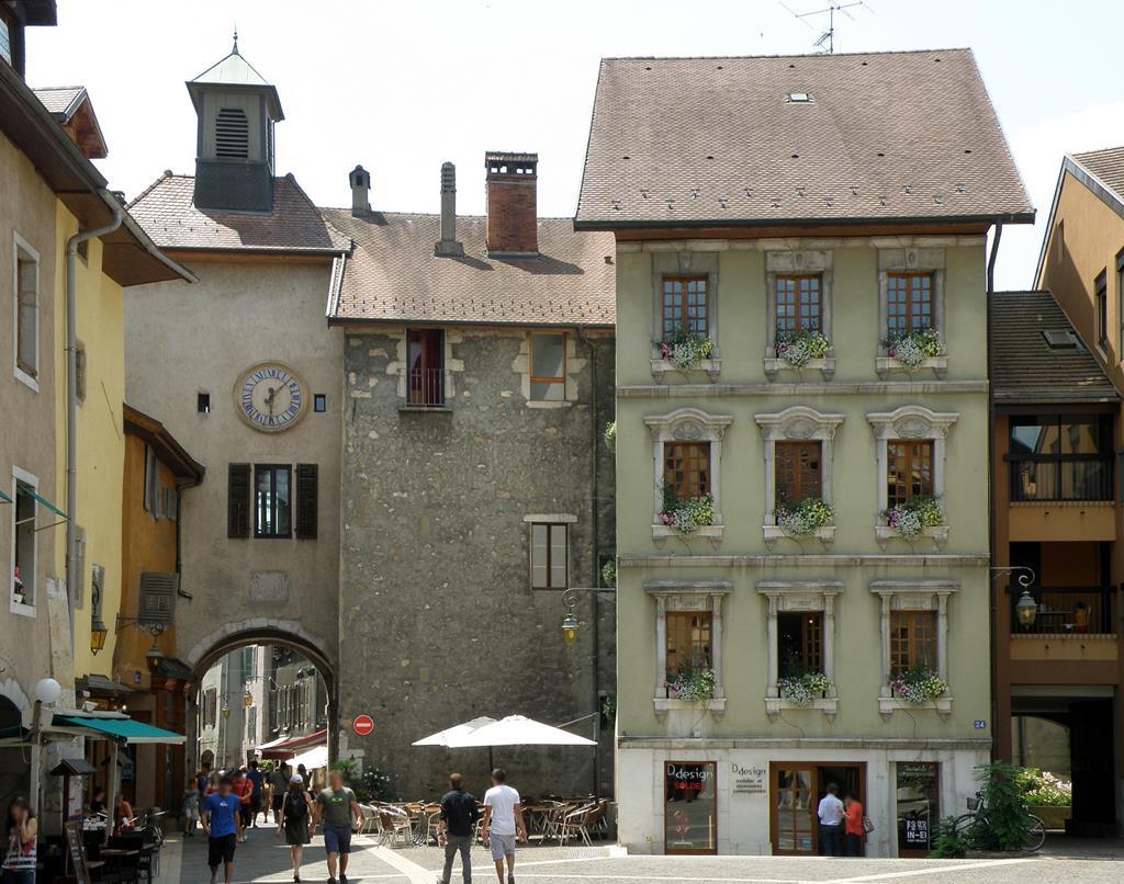 Les portes encore en état de la fortification d'Annecy